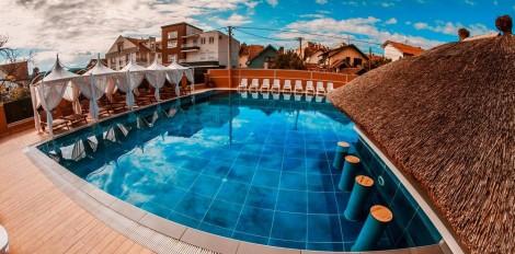 Bazen sa tropskim barom u sklopu kompleksa Solaris resorta u Vrnjačkoj banji