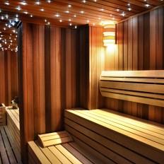Ruska sauna sa zvezdanim nebom u wellness centru