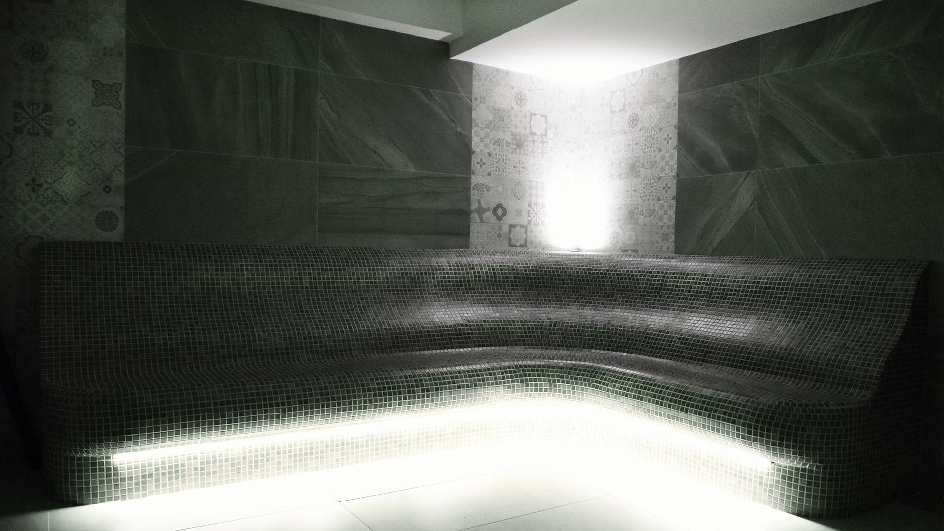 Tople klupe u wellness centru Solaris Resorta