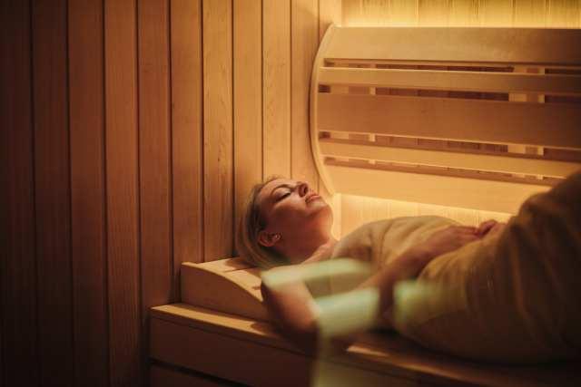 devojka u finskoj sauni u Vrnjačkoj Banji